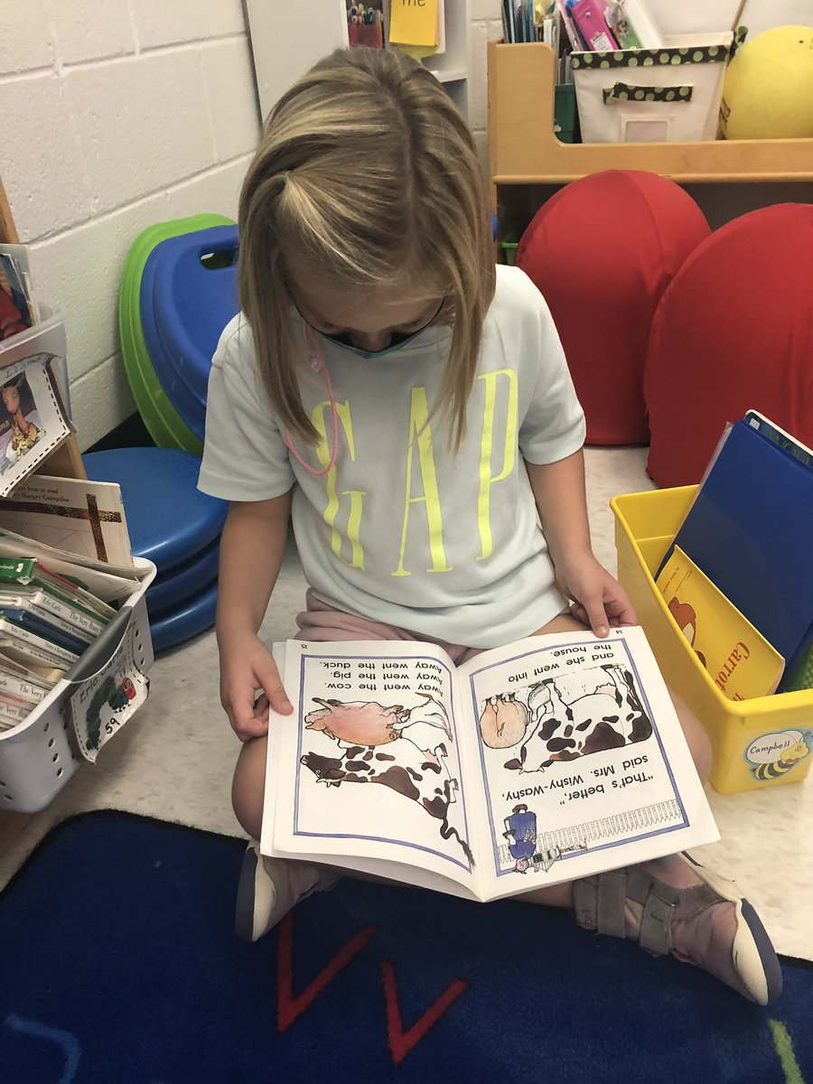 We are readers!!! #oneRCE #kinderRangers https://t.co/JECpfFTJbT