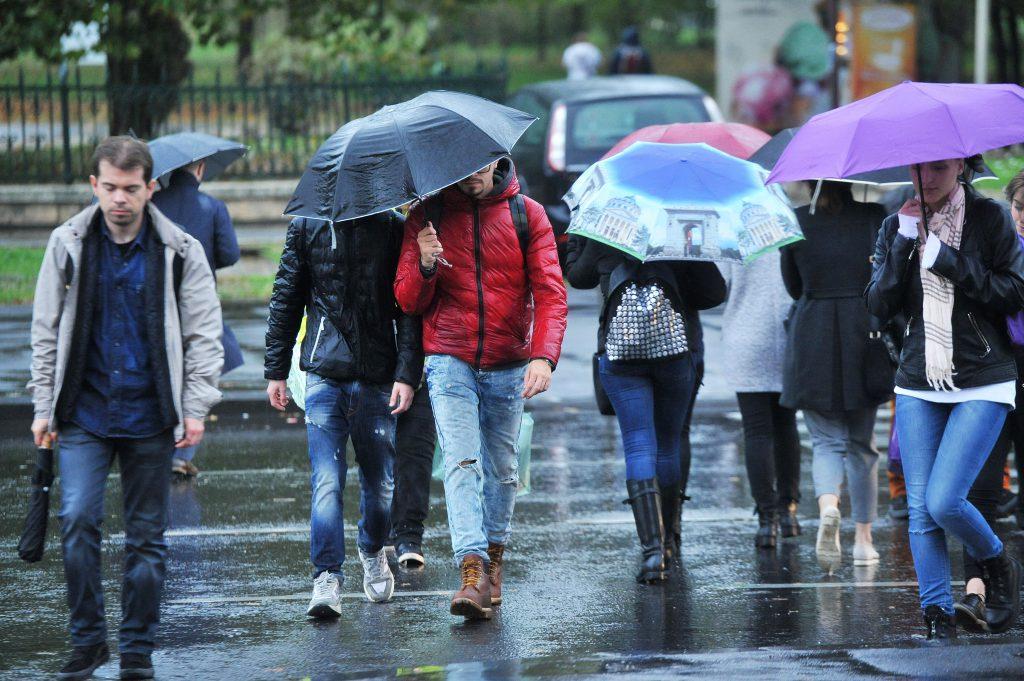Prognoza meteo, 17 octombrie 2020. Se întorc ploile, iar temperaturile scad https://t.co/Sdwt8dCMER #news #stiri #romania https://t.co/3A6KfxOrpb