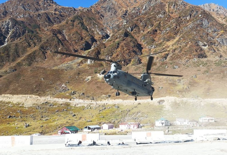 #Uttarakhand: A #ChinookHelicopter landed at the #MI17 helipad in #Kedarnath today. The helicopter will carry back the debris of #IndianAirForce's MI-17 helicopter that caught fire following a collision with an iron girder while landing at helipad near #KedarnathTemple in 2018. https://t.co/iGZFDZ4D5J