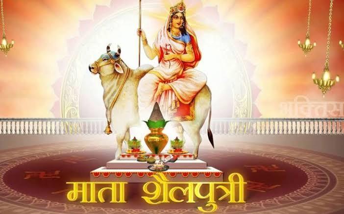 @BeingSalmanKhan देवी मां के कदम आपके घर में आएं, आप खुशी से नहाएं परेशानियां आपसे आंखें चुराए नवरात्रि की आपको ढेरों शुभकामनाएं ।। जय माता दी ।