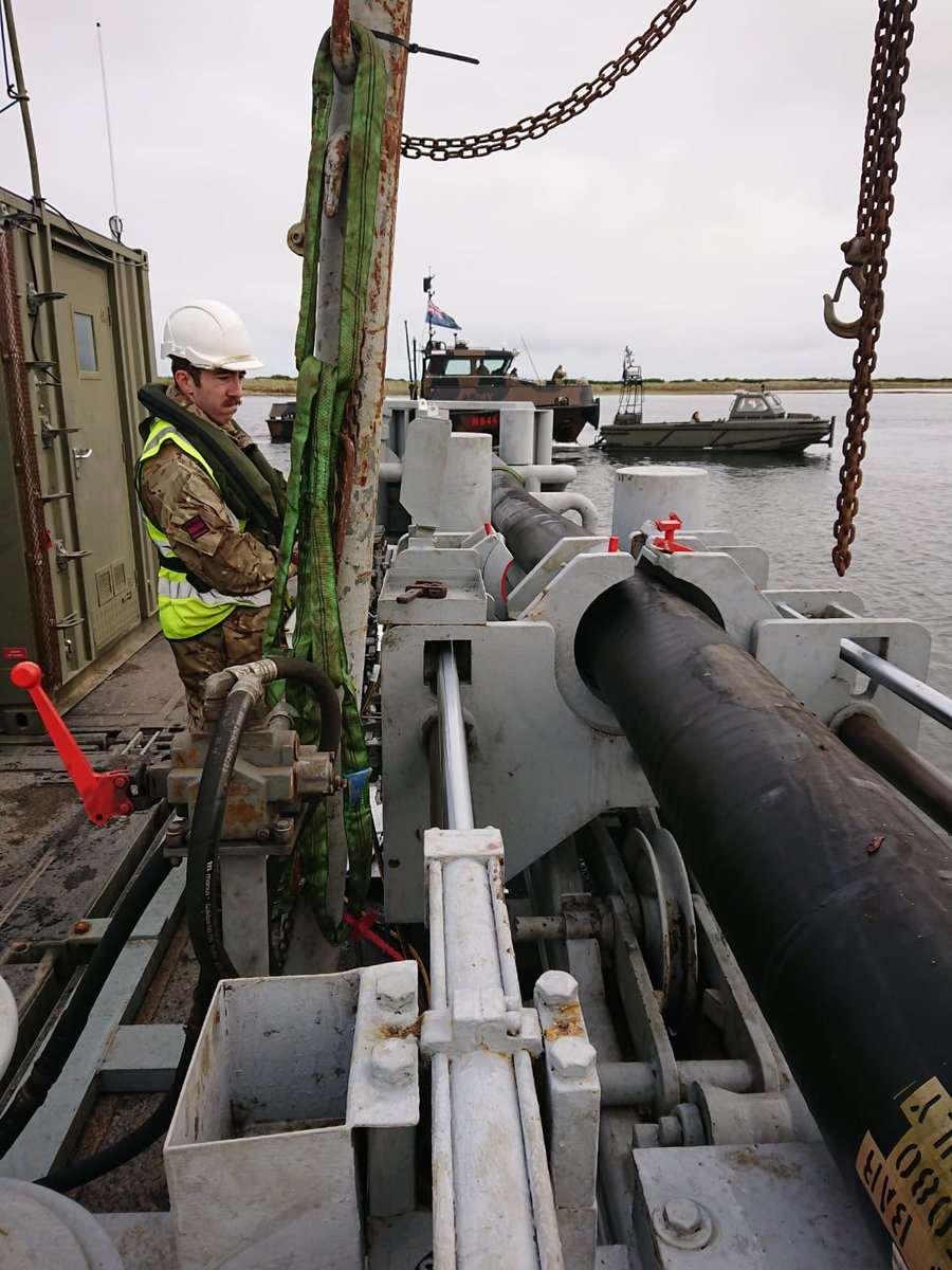 One of our Fitter Utilities & Petroleum Sappers hydraulically connecting 2,500kg of subsea hose, expertly positioned on the @17_RLC Mexeflote. #Ex_FUELS_PLUS_20 #alwaysready #skillforlife #armyconfidence @48Sqn @1RSMERegt @66WorksGroup_RE https://t.co/BBMB2qvd0j