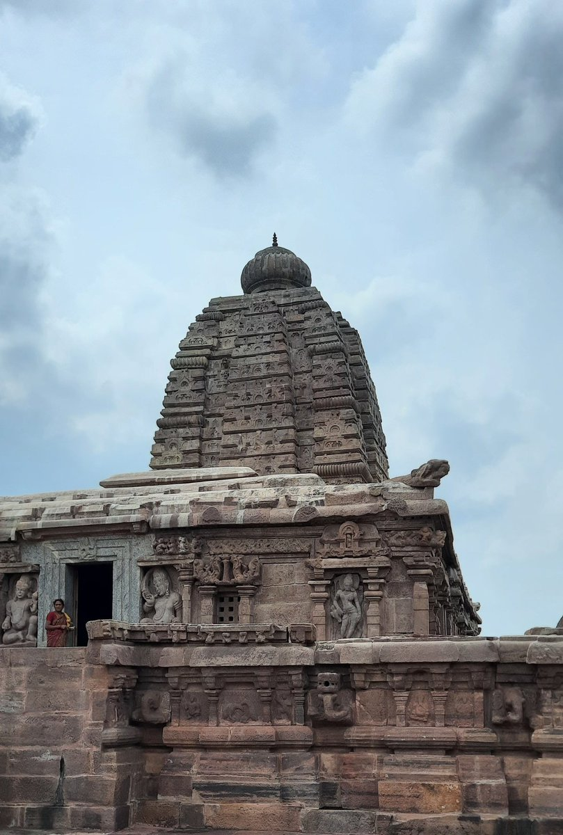 Beauty of Hinduism.   #jogulambaTemple #Alampur #Telegana #AndhraPradesh  @punarutthana @LostTemple7 @Rajput_Ramesh https://t.co/I6iQOq9dNF