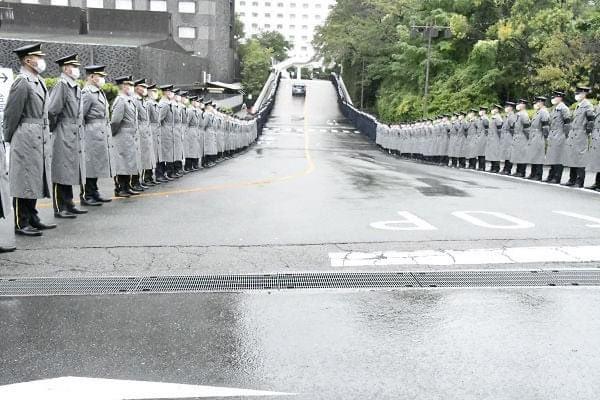 #中曽根の葬式に税金出すな  こわー これ、日本ですよ。 2020.10.17 中曽根元首相の合同葬儀  tanakaryusaku.jp/2020/10/000238…
