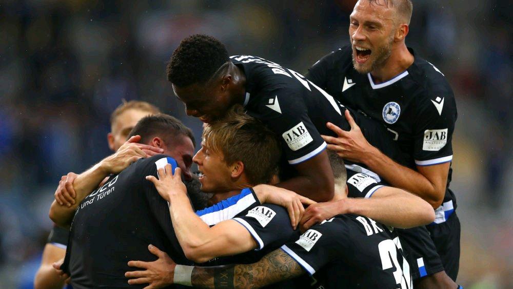 Bundesliga MD 04 Preview: Bielefeld vs. Bayern https://t.co/2GBVo4PJjp by @Lahmsteiger on @miasanrot_com translation @apellengahr https://t.co/MKImKvFvwl