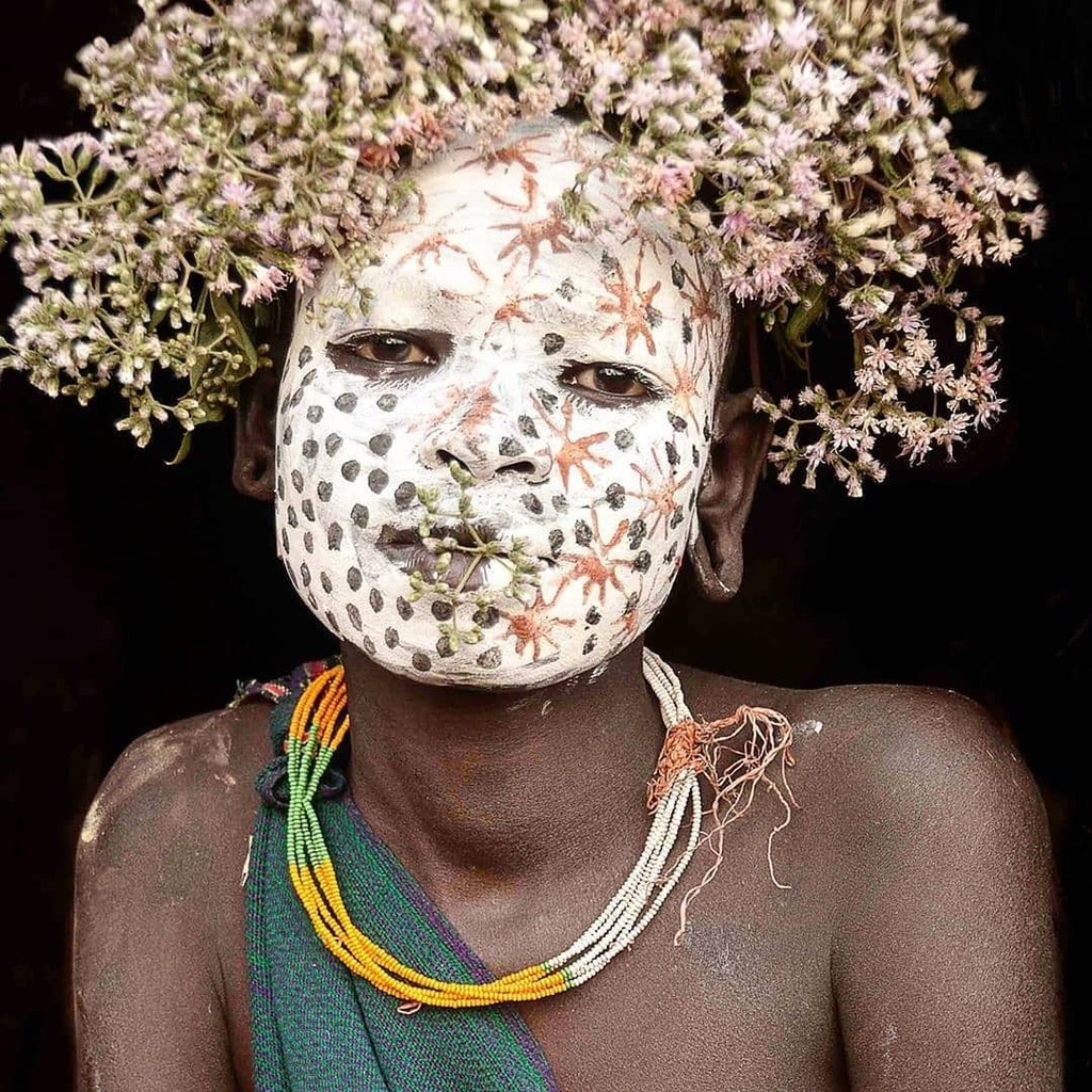 Portrait of beautiful Sulla #tribe  girl taken in her remote village near kibish. 📷@magbrinik #etiopia #etnografia #ethnography #ig_africa #igs_africa #portrait_vision #natgeoyourshot #natgeotravel #people_infinity #people_and_world #portraitphotography #portrait_shots #remo… https://t.co/wQyZV00PI8