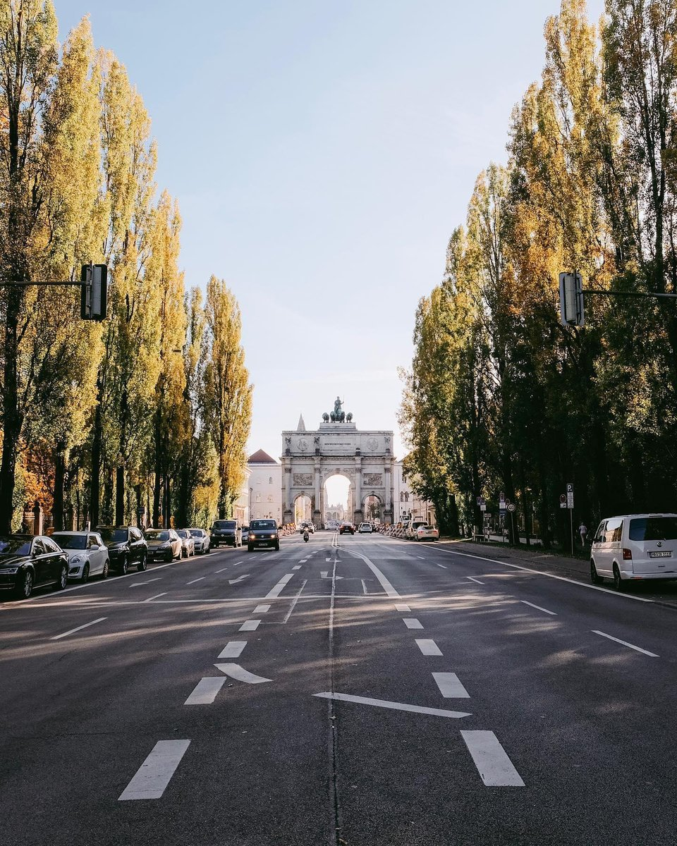 There are many roads and sights to be explored in Munich, home to @KempinskiMunich. #Kempinski #KEMPINSKIDISCOVERY #DiscoveryLoyalty https://t.co/cCDQyS5ZkN