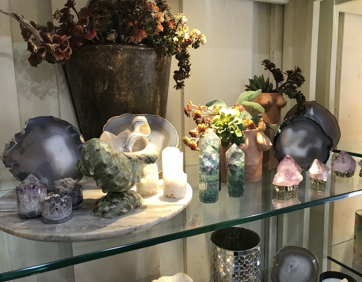 Add a special touch to your space. . . #fluorite #amethyst #quartz #geode #shell #boobplanter #natural #energy  #healing #homedecor #gifts #shoplocal #amarillo #route66 #6thstreet https://t.co/zqmN4Vb6CX
