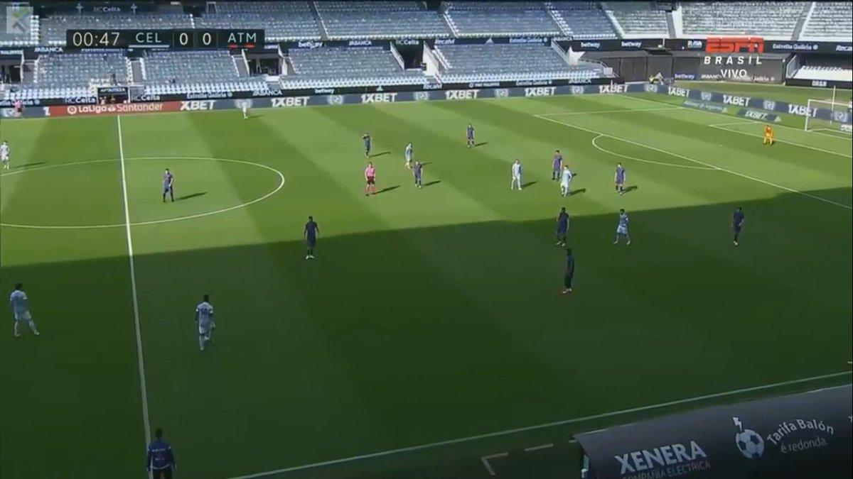 ⏰00' Rola a bola para a volta do Atletico de Madrid na LaLiga contra o Celta de Vigo.  Celta de Vigo 0x0 Atletico de Madrid  hora de ver o Deus Lemar brocar. https://t.co/P3glvqXJ3y