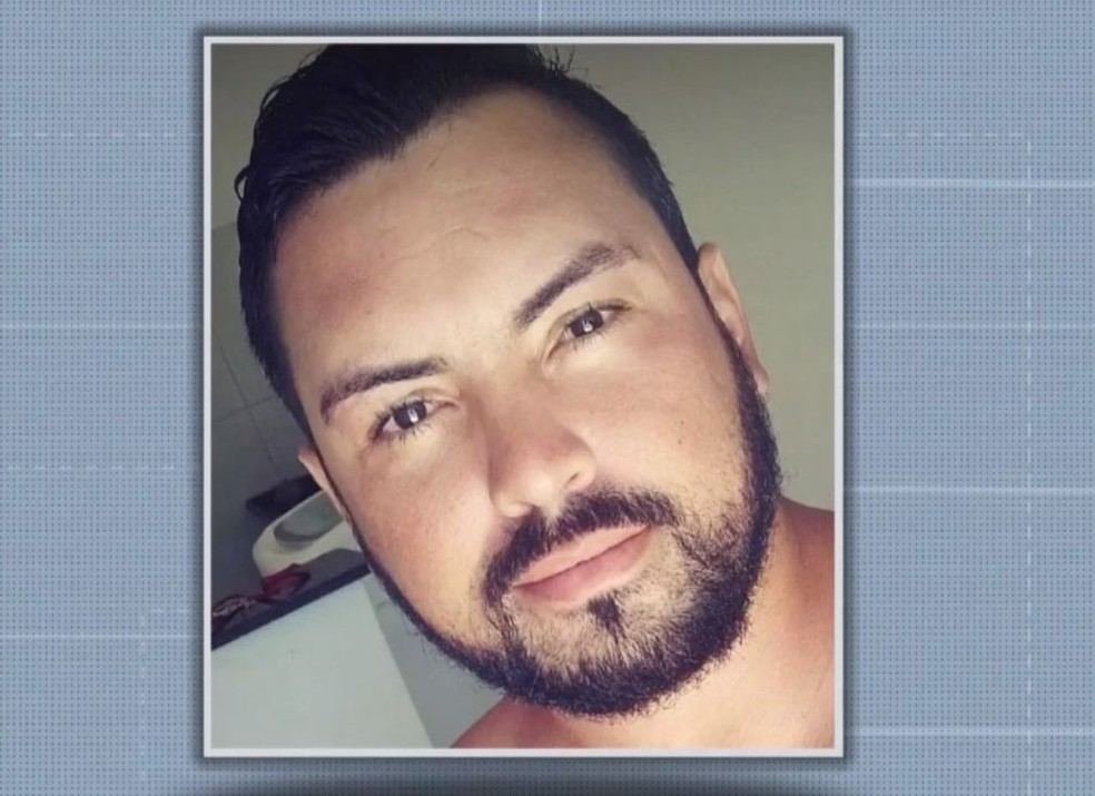 Suspeito de agredir mulher com vários socos na Bahia continua foragido; homem já tinha 11 boletins de ocorrência contra ele por agressão, mas foi ouvido e liberado pela polícia https://t.co/h1ohODRnP0 #G1 https://t.co/LcnuMWYS7K