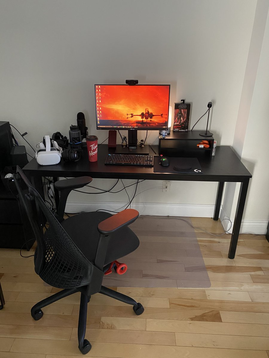Bless @HermanMiller for finishing up my new WFH space with the new Sayl. I've really been missing my office Aeron and this has been a serious upgrade to my old office seat. My lower back is very grateful.   Next up: Cable management (and maybe getting a VIBRANT PINK ONE?) https://t.co/soU5hO0ko3
