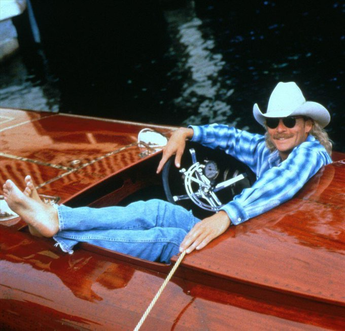 Happy 62nd Birthday to Alan Jackson! The soundtrack to my childhood...