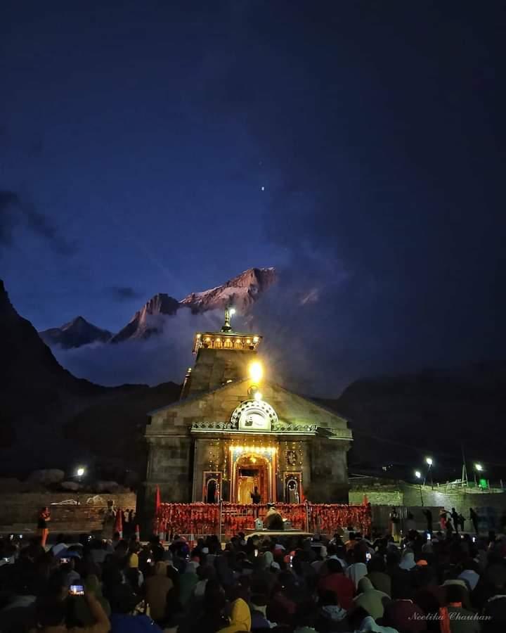 भक्त नहीं है भला वो ढूंढ़ता, गुण देखे, गुणगान नहीं...!  #श्री_केदारेश्वर🙏🏻   #हर__हर__महादेव #Kedarnath_Temple,  #Uttarakhand, https://t.co/URrLJXpl1a
