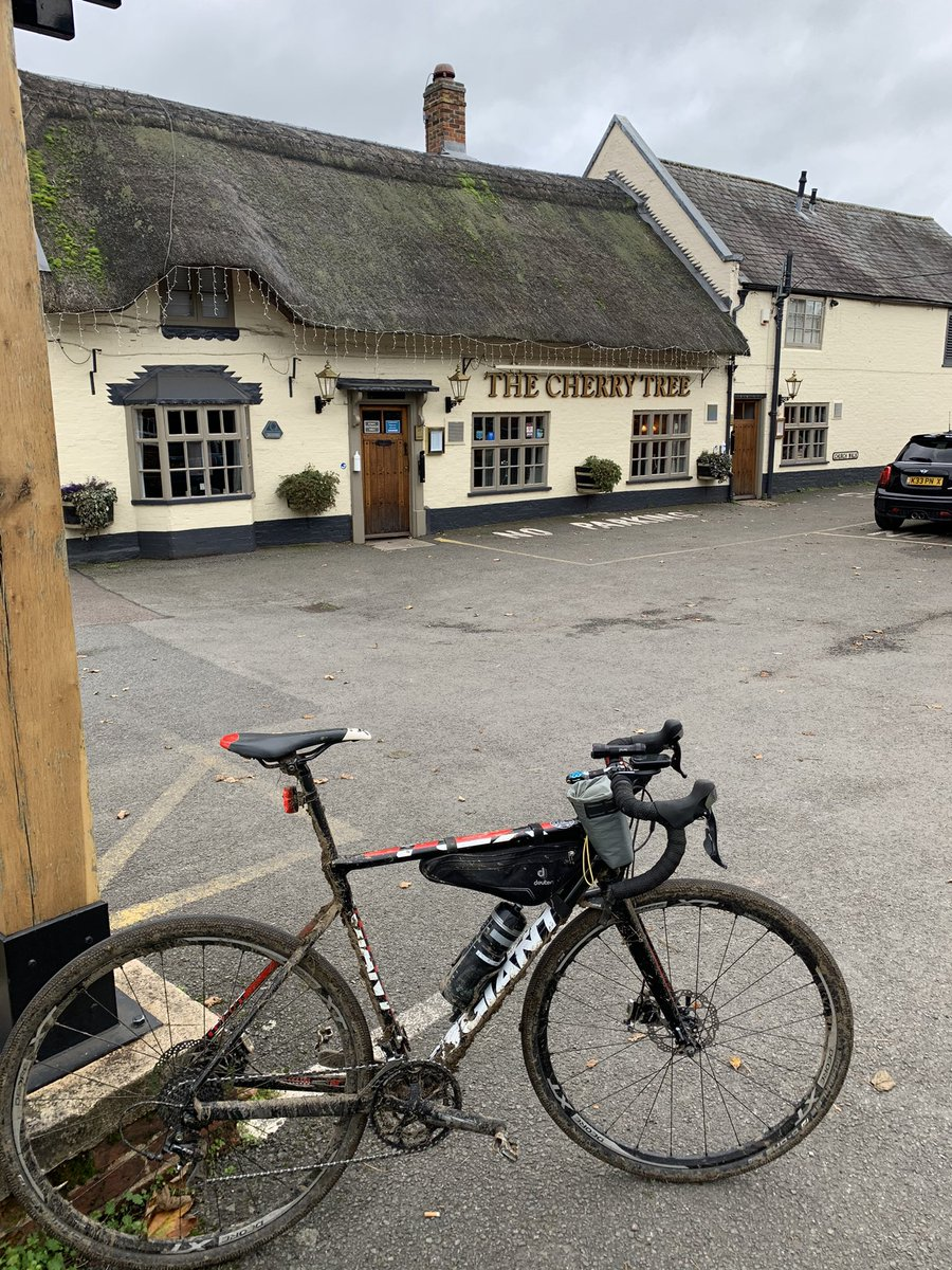 """Thanks to Adrian @wvccmktharboro for letting a couple of """"outsiders"""" join the #gravelride this morning, thoroughly enjoyable route & company #cyclinglife https://t.co/Q3snM8xz5v"""