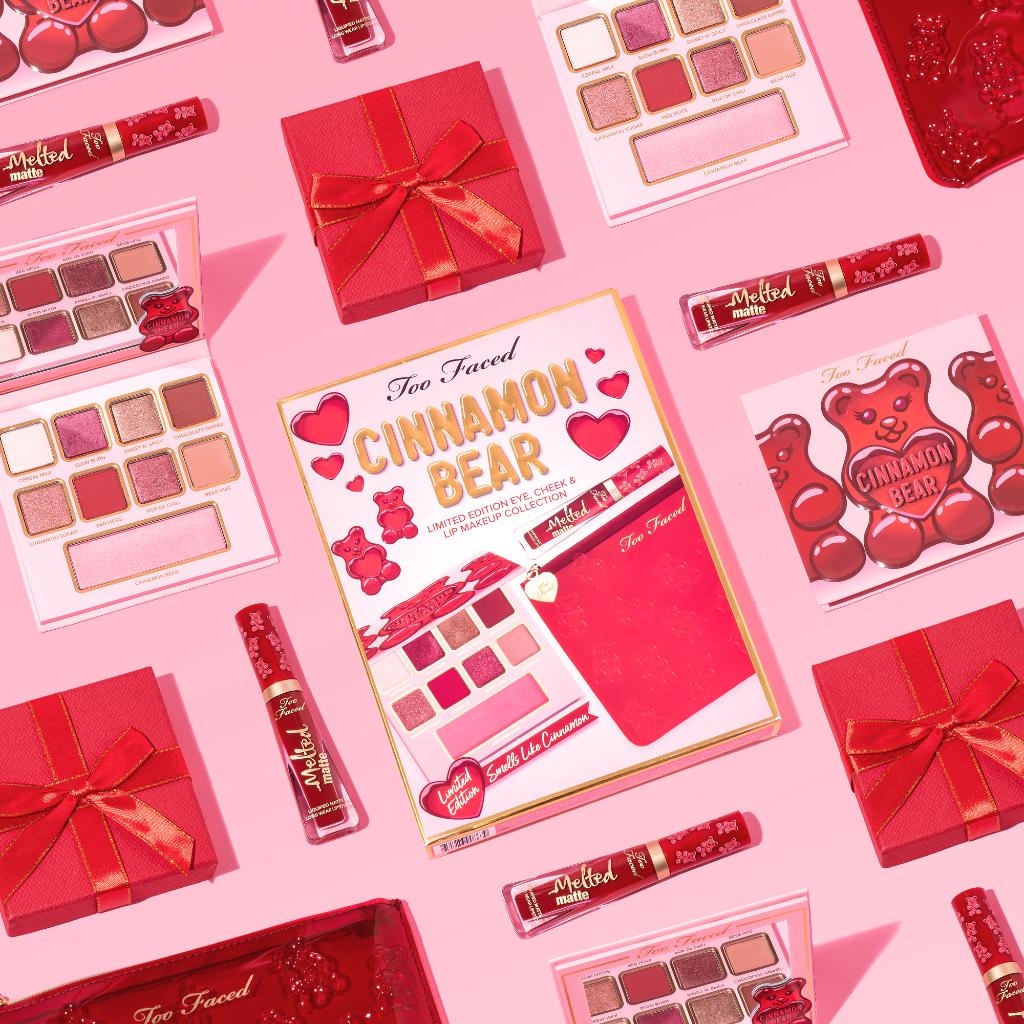 HOT HOT HOT! 🔥 Meet our Cinnamon Bear Makeup Set full of warm & wearable shades, plus an exclusive Cinnamon Bear shade of our iconic Melted Matte Lipstick that makes it easy going from day to night looking like serious eye candy! Available here: https://t.co/t0CLL5sfTD #toofaced https://t.co/2xUUXWofvI