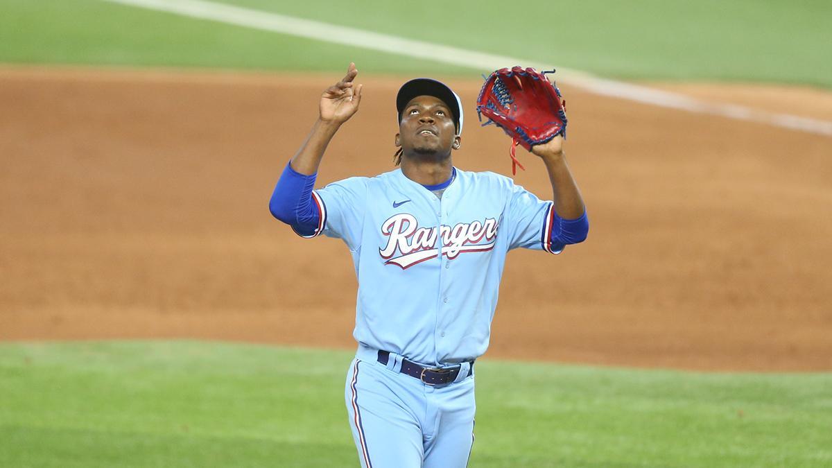 Put your hands up for Rafael Montero's birthday! 🙌