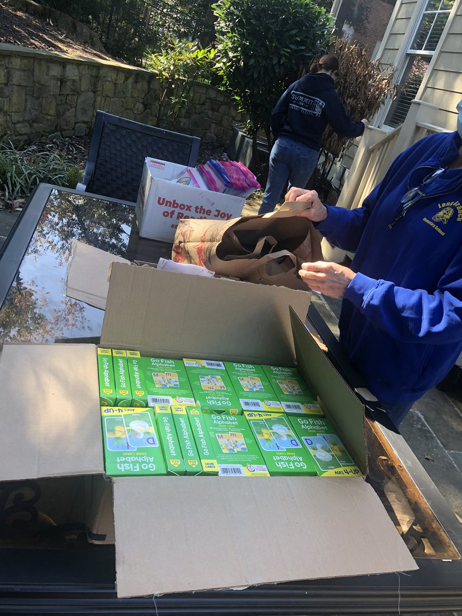 What does the best EL team in Arlington do on a Saturday?  Prepare for our next Reach for Reading event happening on Wednesday.  Each family receives a bag of books and an Alphabet Go Fish Card Game. <a target='_blank' href='https://t.co/cc5HeBII8X'>https://t.co/cc5HeBII8X</a>