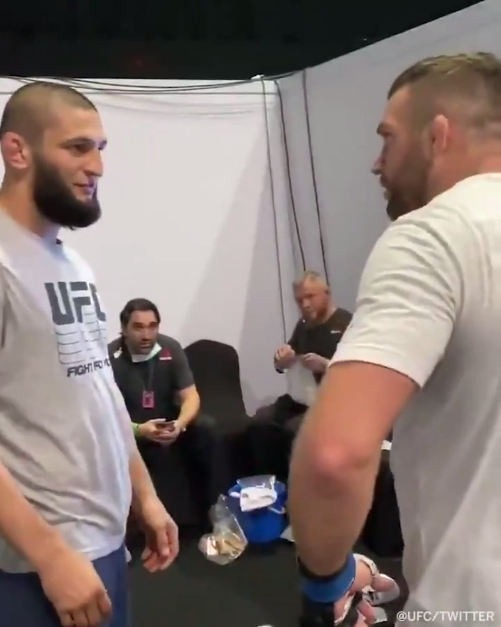 Khamzat Chimaev shares some knowledge with John Phillips — Chimaev's first UFC opponent — before Phillips makes the walk at #UFCFightIsland6 (via @ufc) https://t.co/FWMdeVKIn3