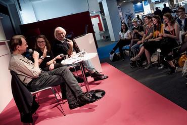 Gleich um 18 Uhr - im Rahmen von Frankfurt #Cosplay: Hinter den Kulissen einer Con - mit u.a. Shinji Schneider, Yakitori, Vertreter des @CosDay e.V. und @wiemaikai twitch.tv/animexxde #fbm20