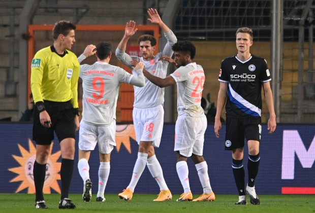 Bayern Munich resumed Bundesliga action with a commanding 4-1 victory over newly promoted Arminia Bielefeld on Saturday evening.  Read more: https://t.co/zlIa3R7NTr https://t.co/GwORuwXmWy