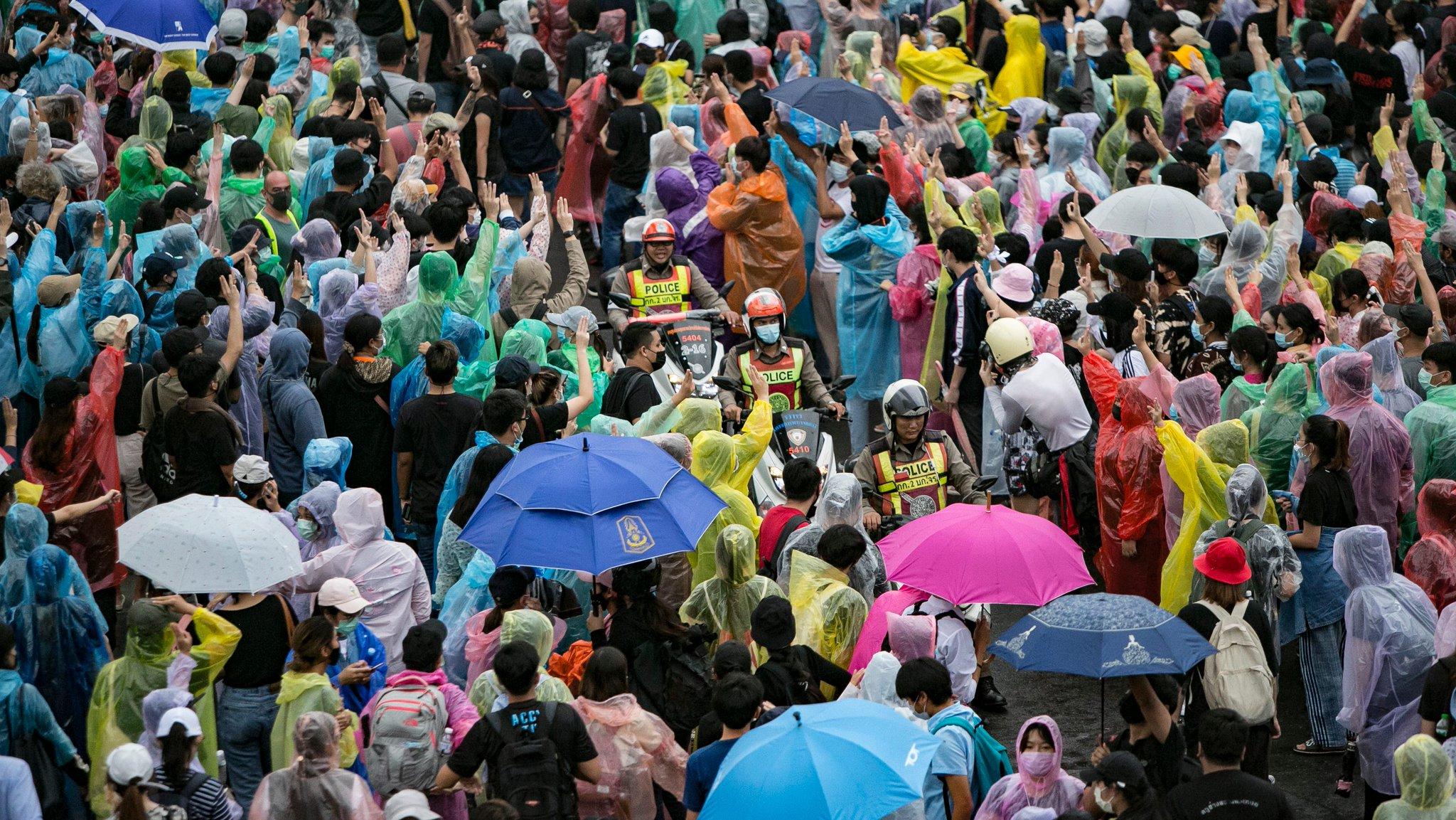 Transit shutdowns fail to deter fourth day of Thai pro-democracy protests in Bangkok Photo