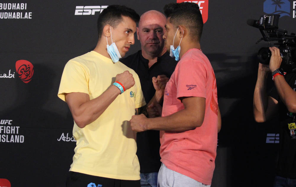 UPSET ALERT! Jonathan Martinez {+115} DEFEATS Thomas Almeida {-135} via 3 round #DECISION on #UFCOVID19. Will Go 3 Rounds {+145} & Martinez wins by decision {+435} hits! #GamblingTwitter #mma #UFCPicks #UFCPredictions #UFCOdds #UFCFightIsland6 #MMATwitter https://t.co/jEcKPnw55Z