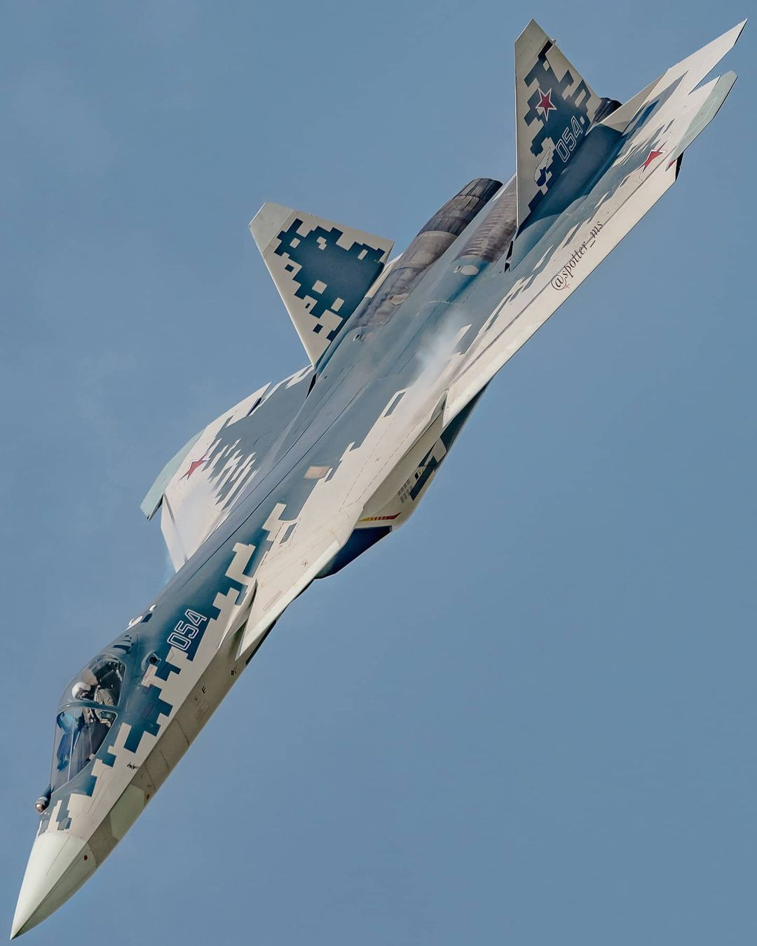 Su-57 Stealth Fighter: News #6 - Page 20 EkjmQyHW0AEdR3f?format=jpg&name=large