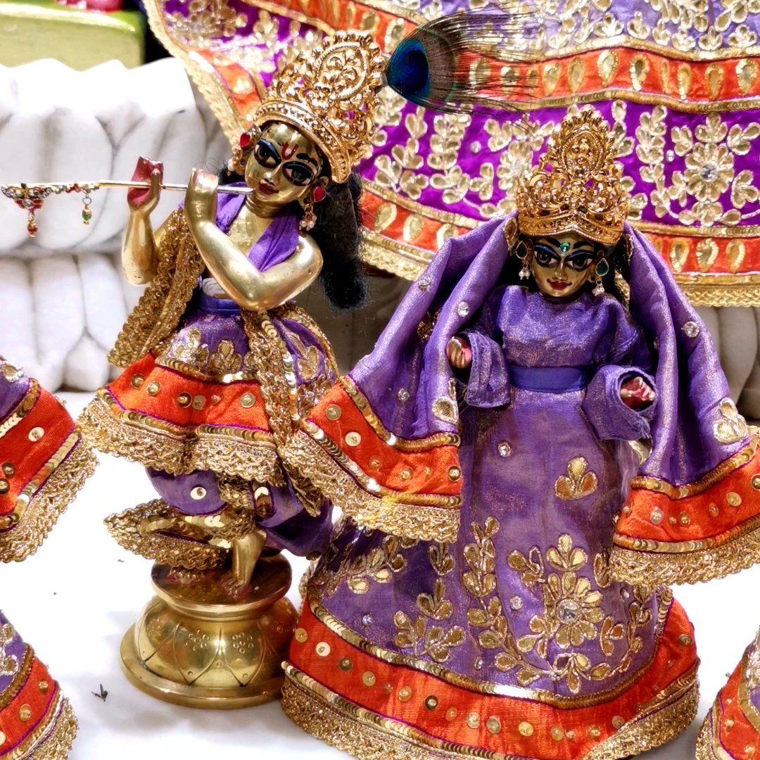 #iskcon #krishna #harekrishna #vrindavan #radhakrishna #iskcontemple #haribol #radheradhe #lordkrishna #radha #radharani #krishnaconsciousness #prabhupada #bhagavadgita #radhekrishna #bhakti #srilaprabhupada #hindu #love #india #krsna #jaishreekrishna #radhe #god #barsana https://t.co/ELXRIfgcgv