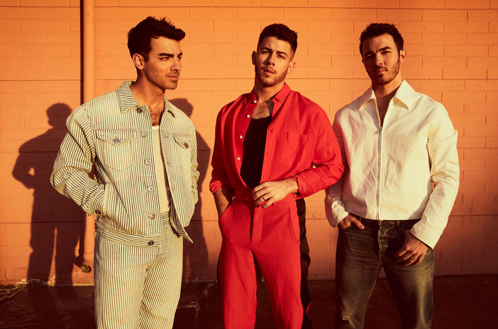 The #JonasBrothers are hosting their own virtual concert this winter, and you get to help run the show. 👀 blbrd.cm/yN7iplB