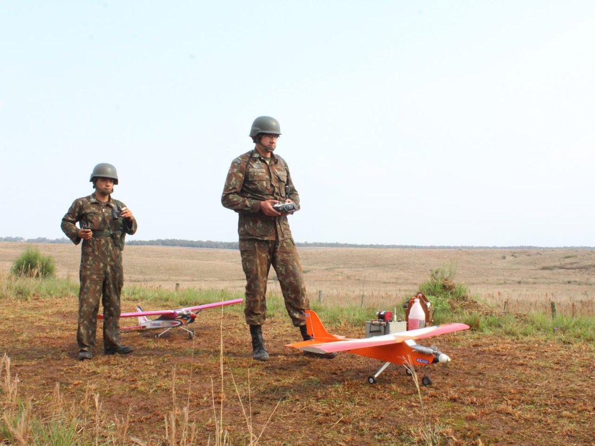 6ª Bateria de Artilharia Antiaérea Autopropulsada adapta aeromodelos para interagir com o radar da VBC Gepard https://t.co/t4baydUmQX #BraçoForte #MãoAmiga https://t.co/thuVtFoEIl
