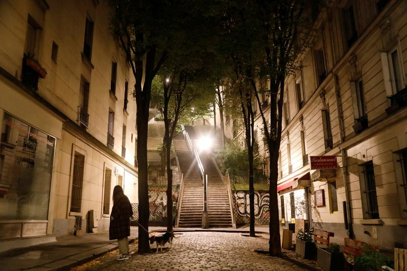No Saturday night party for Parisians as curfews kick off https://t.co/7ARWtPBmCS https://t.co/Ac6oE4EVoV