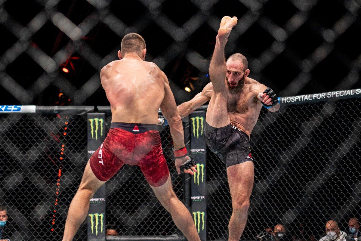 How did you score 🇵🇱 @Gamer_MMA vs @Guram_DZE 🇬🇪 at #UFCFightIsland6 last night?  #InAbuDhabi | @VisitAbuDhabi https://t.co/oVI1dQ4Pqq
