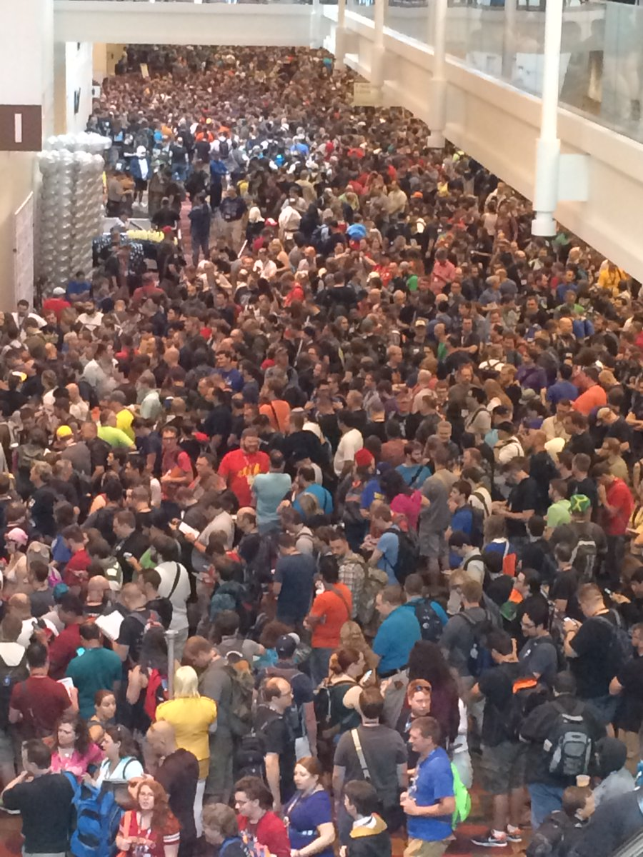 #TBT The horde at @Gen_Con in 2016 waiting to get into the hall on THR. #dnd #dnd5e #rpg #GenCon2016 https://t.co/rJM7piNBUN
