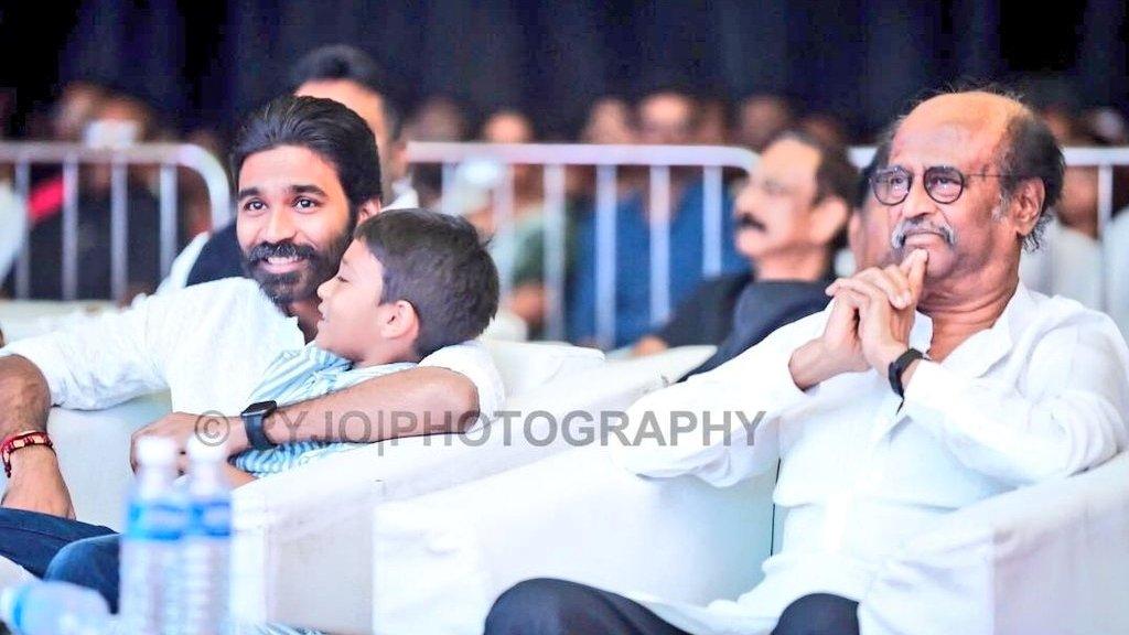 Good morning to all happy Sunday 💓   Thalaivar @dhanushkraja superstar  @rajinikanth  With Singa kutty 🦁 #linga dam cute  #JagameThandhiram #karnan #AtrangiRe https://t.co/VW5nRltGE6