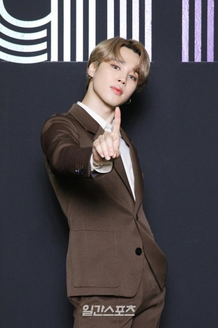 #JIMIN ARTICLE [181020] - 1 Naver 💛✅  Jimin ranked #1 in Oct Boy Group BRR 1 https://t.co/KHpc1x68q7 ⭐ 2 https://t.co/Z2ItFwlQIt ⭐  American singer-songwriter, Maren Morris talked about Jimins bowlcut hairstyle 3 https://t.co/SfcfiOXV7p ⭐ 4 https://t.co/M9E4miX28v ⭐ https://t.co/lMuvKSy4f3
