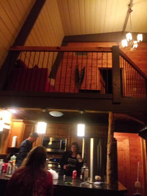 Party cabin time in Gatlinburg https://t.co/gXBwdFXful