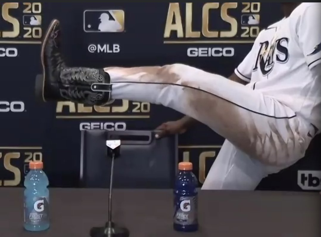 joon on twitter randy arozarena flashed his cowboy boots at the end of his alcs mvp press conference randy arozarena flashed