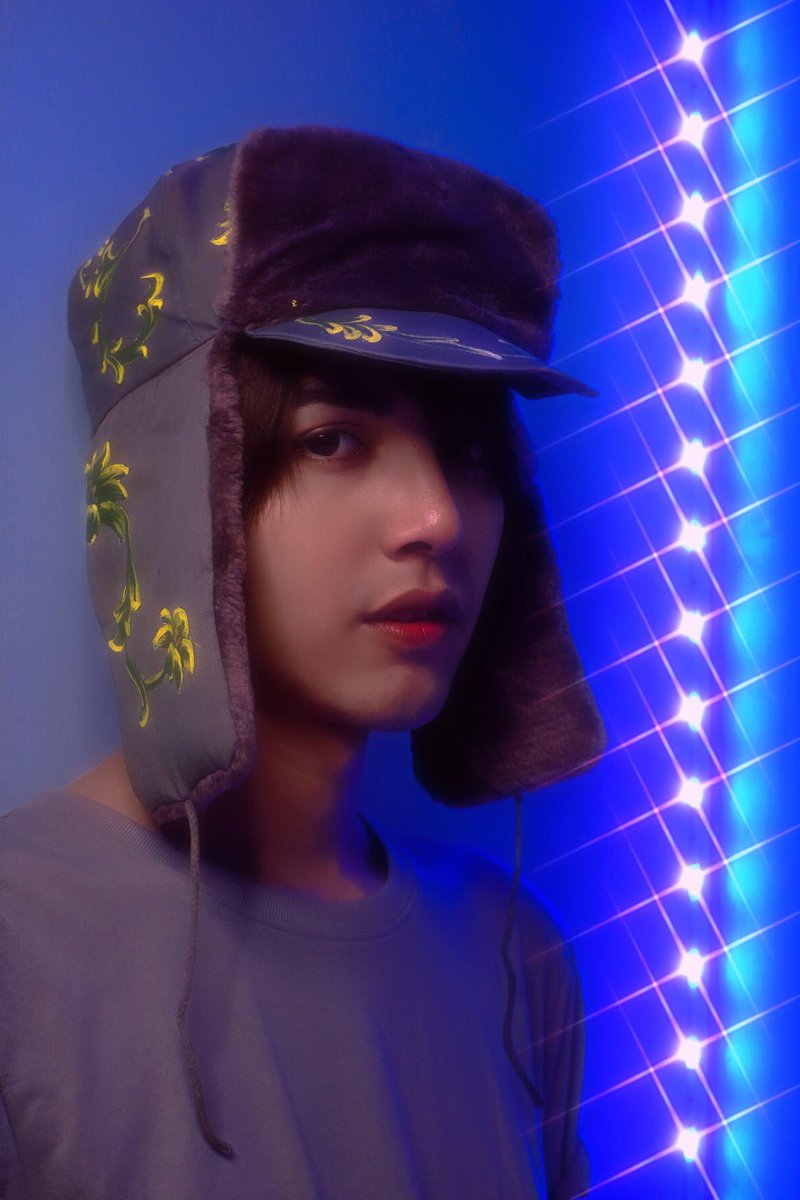 City of stars ✨ Are you shining just for me 🌌. . . #cityofstars #Shining #armyhat https://t.co/nh6BiRCY3e
