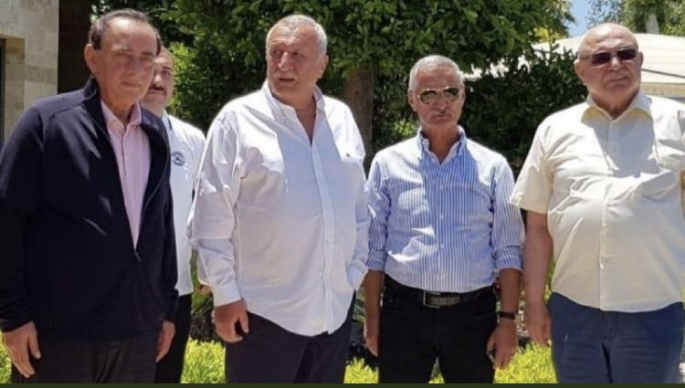 Organize suç örgütü liderliğinden hüküm giyen Alaattin Çakıcı, eski İçişleri Bakanı Mehmet Ağar, emekli Korgeneral Engin Alan ve emekli Albay Korkut Eken Bodrum'da bir araya geldi. https://t.co/pneQcs6Qnt
