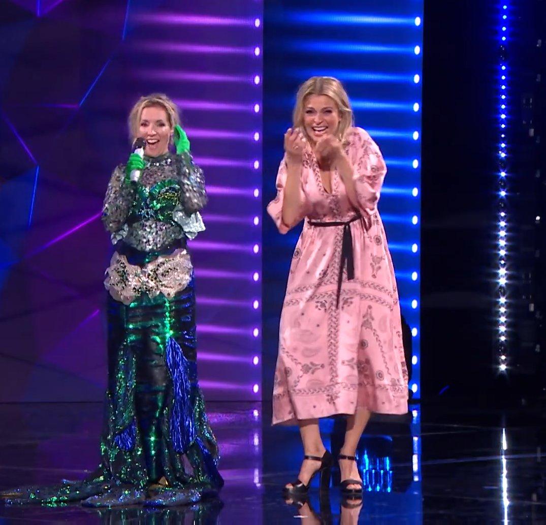 Voormalig K3-zangeressen Kathleen Aerts en Karen Damen herenigd in The Masked Singer in België. https://t.co/TZ0RibTprV https://t.co/KOq2UoCcNk
