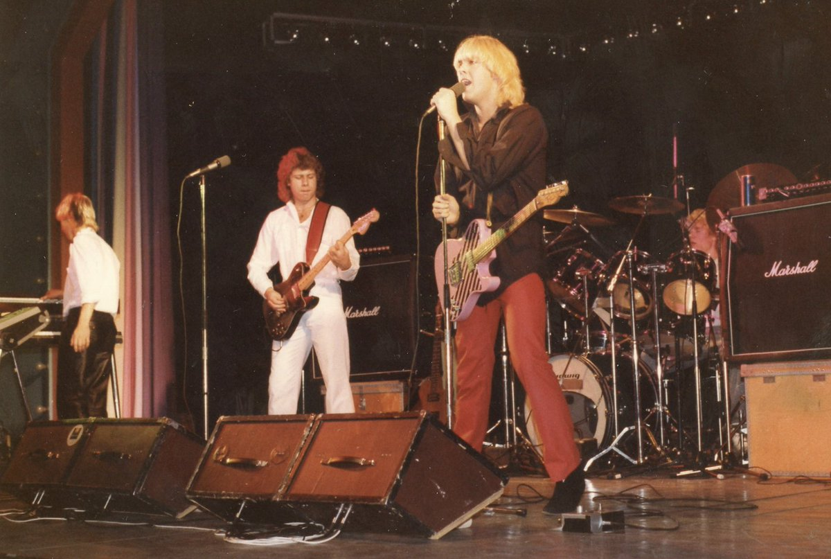 There was nothing like a pair of red plastic pants + a pink Fender Tele in the Folkparks of Sweden in 1980! /P.