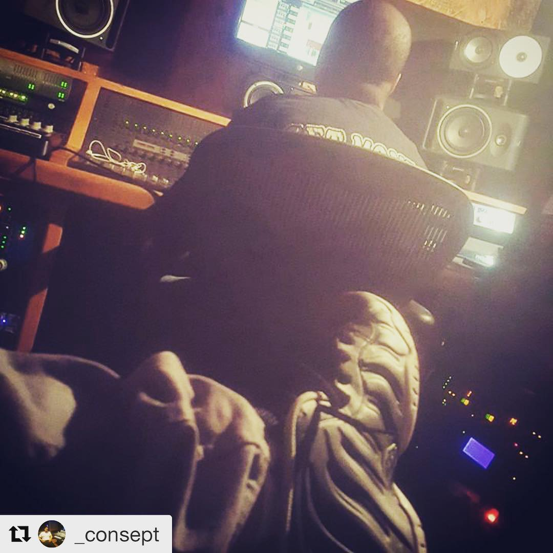 In studio with Consept  DM me for your Mixing/Mastering needs  Check out our studio here: https://t.co/mf5uC6vOoL  #studioflow #hiphop https://t.co/oiAC9bLYvG