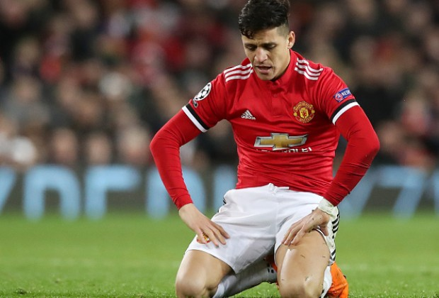 Manchester United have made quite a few signings in recent years, but here is a list of the clubs 11 worst signings since Sir Alex Fergusons departure in 2012. Read more: bit.ly/2FCY4MH