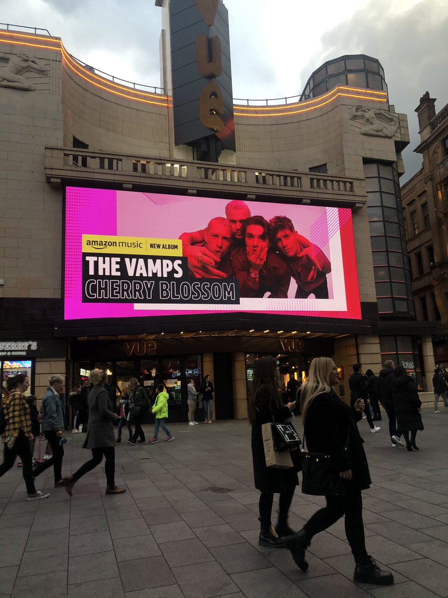 So so proud @TheVampsband @TheVampsBrad @TheVampsCon @TheVampsJames @TheVampsTristan 🤍 can't wait to see you several times next year x