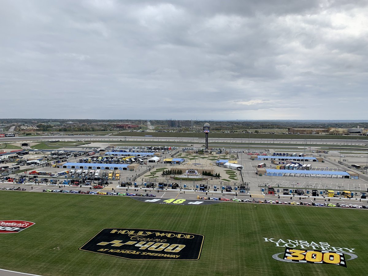 Happy Race Day 🏁 Weather will be a (cold) challenge all day for all that are here. @MRNRadio air time 1:30e #NASCARPlayoffs #AskMRN