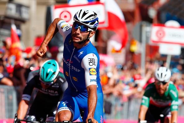 Giro delle Fiandre, van der Poel allo sprint anticipa Van Aert - https://t.co/wBQKs5yaxC https://t.co/R0FNuuaX22