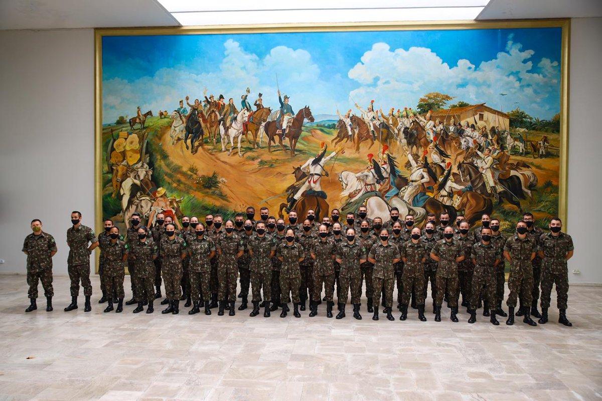 Comando Militar do Sudeste recebe cadetes do Curso de Intendência da AMAN para Estágio de Operações Logísticas https://t.co/Gj7A0lsuYe #BraçoForte #MãoAmiga https://t.co/Mi4IjL2Juq