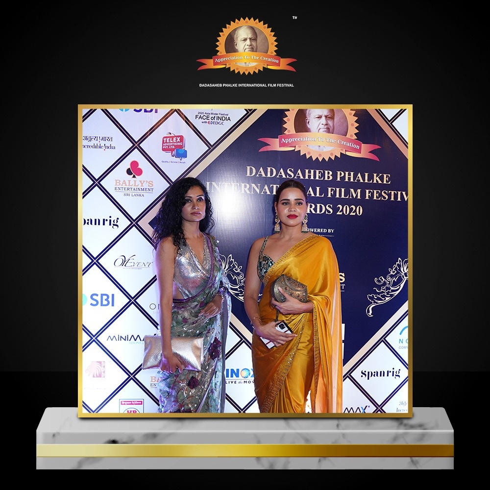 An exclusive glimpse from the nation's most prestigious ceremony 'Dadasaheb Phalke International Film Festival Awards 2020'. The grandeur of Indian Cinema was celebrated on the occasion of 150th Birth Anniversary of Dadasaheb Phalke ji and Mahatma Gandhi Ji. https://t.co/mv8tvWAlzM