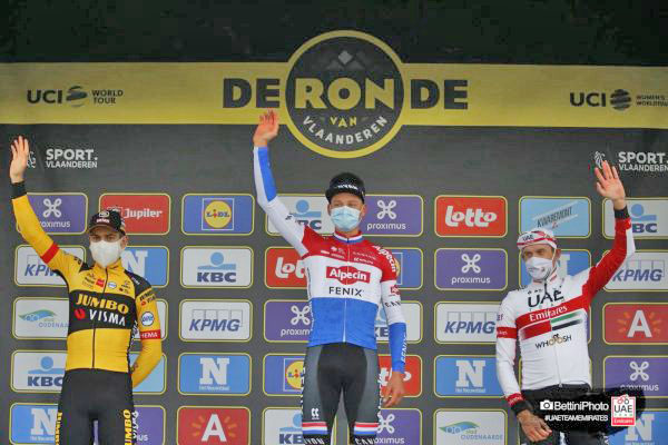 Un solido Kristoff conquista il podio al Giro delle Fiandre @TeamUAEAbuDhabi #bikenews @bikenewsPhoto #cyclingnews https://t.co/MYOdB8Kj7w https://t.co/UkOwPao6fp