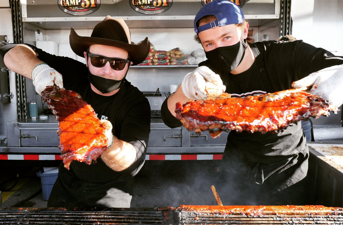 It's the final day of the Mississauga Ribfest DRIVE THRU BBQ!  @erinmillstown - Parking Lot C between Hudson's Bay & Tim Horton's today from 10:30 AM to 7:00 PM to get your favourite BBQ ribs and chicken!   https://t.co/4OEGFuFzQi   #Ribfest #MississaugaON #Ribs #BBQ #Rotary https://t.co/NewDDDtG7n