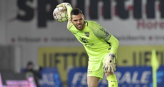 1️⃣ - @rscanderlecht n'a réalisé qu'un seul clean sheet lors des 9 premières journées de Championnat  2-0 🆚 Cercle Brugge https://t.co/9GUFlFkfuu